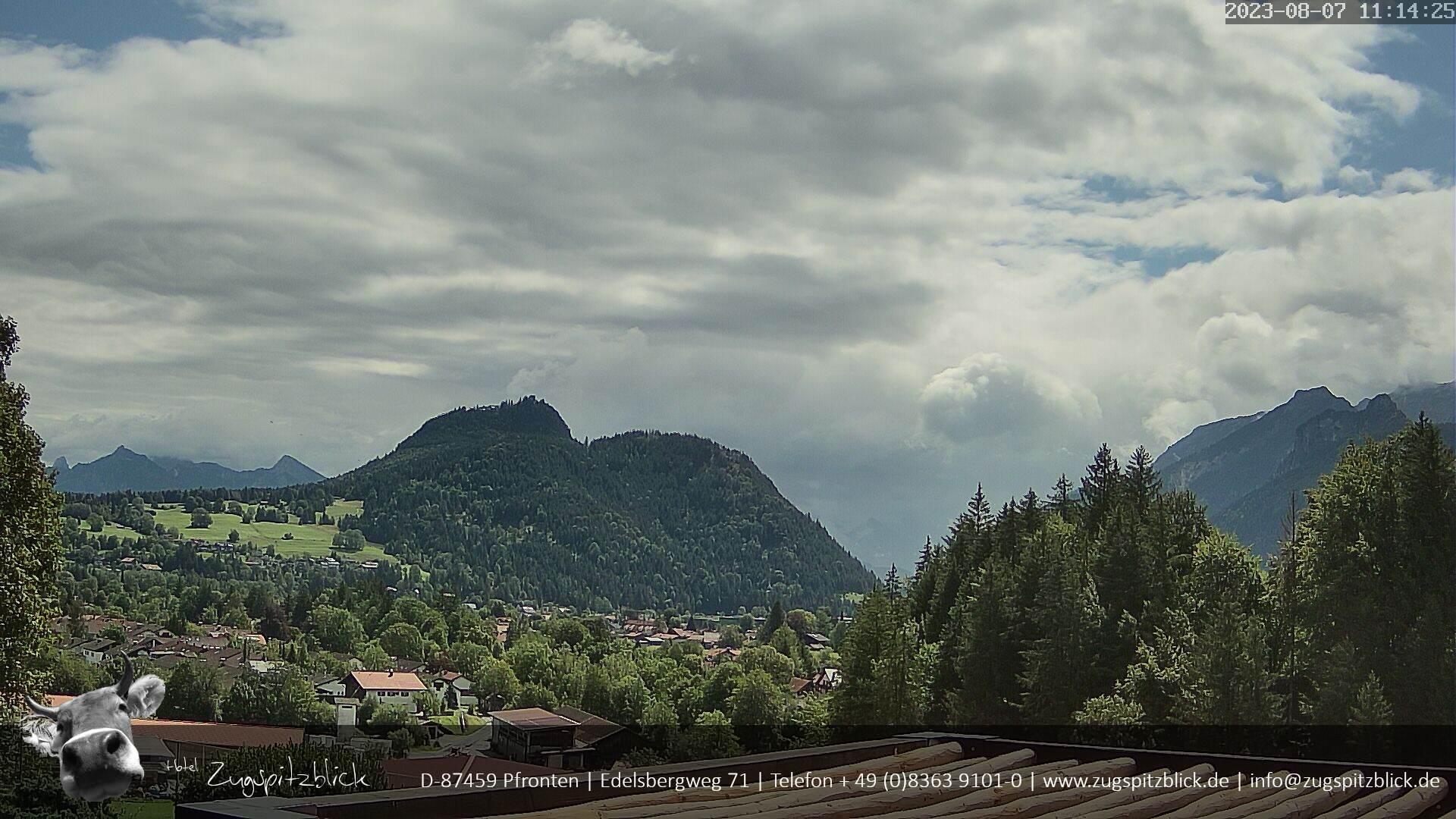 Webcam mit Ausblick vom Hotel Zugspitzblick in Pfronten